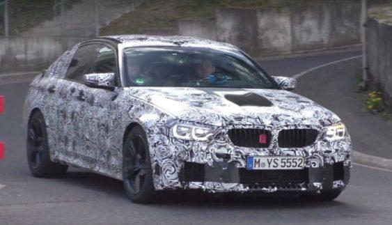 Оновлений BMW M5 помічений на тестах на Нюрбургринзі (Відео)