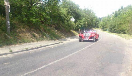 В Україні помічений рідкісний родстер Mercedes довоєнних часів (Фото)