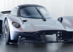 Перші фото гіперкара Aston Martin Valkyrie