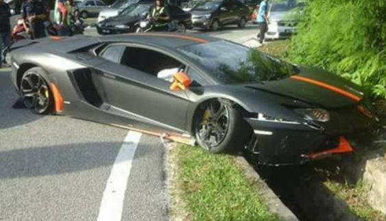 Сумне видовище: розбили унікальний автомобіль ціною понад $300 тис (Фото)