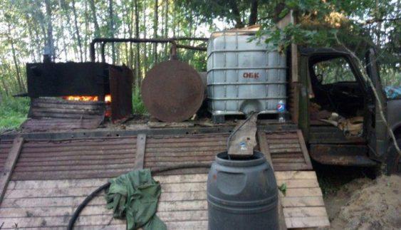Незвичайний ГАЗ-53 знайдений в білоруському лісі