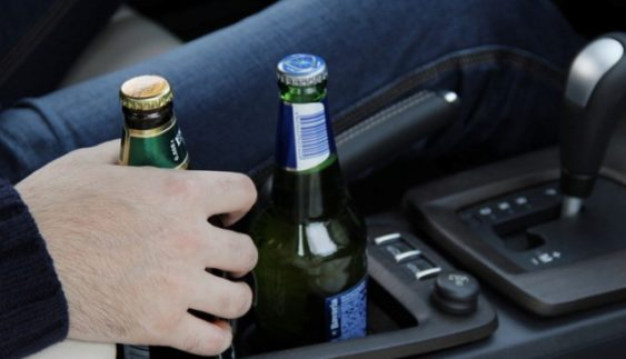 В Україні пропонують не відбирати права за водіння після 2-х пляшок пива