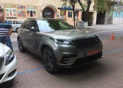 В Україні помітили перший кросовер Range Rover Velar (Фото)