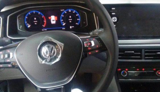 Опубліковані перші знімки нового седана Volkswagen Polo