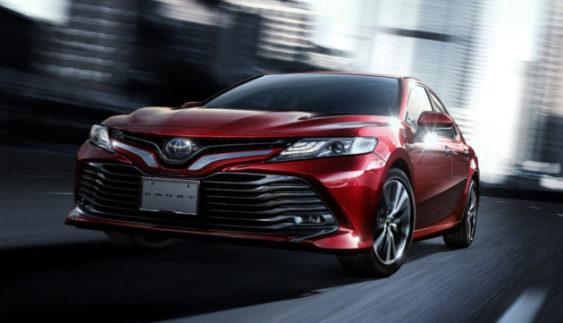 Нова Toyota Camry: попит перевищив очікування