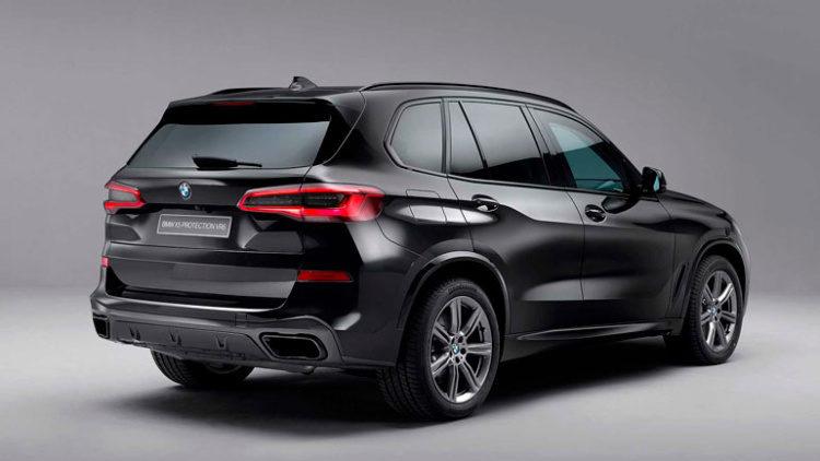 В BMW решили тонко потроллить новый Tesla Cybertruck (ВИДЕО)