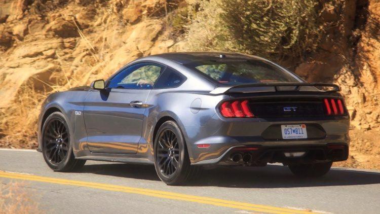 Полиция одного из американских штатов купила спорткар Ford Mustang за деньги от штрафов (ФОТО)