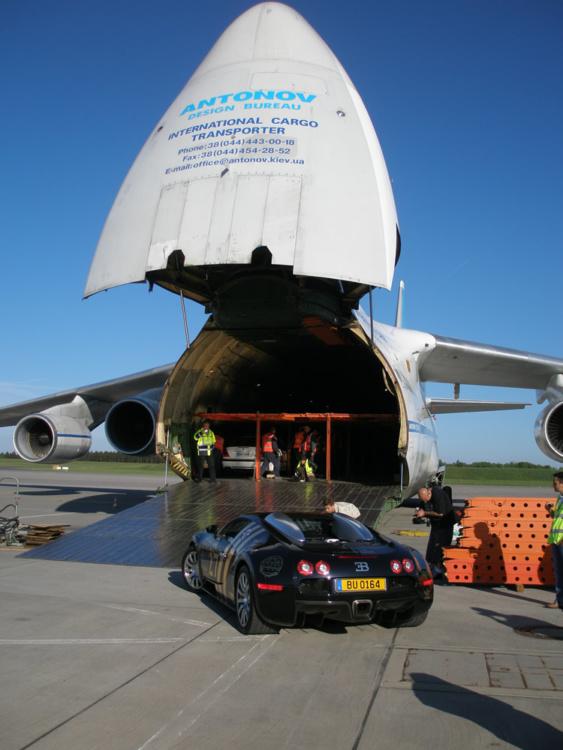 Українці налагодили найшвидший спосіб перевезення суперкарів