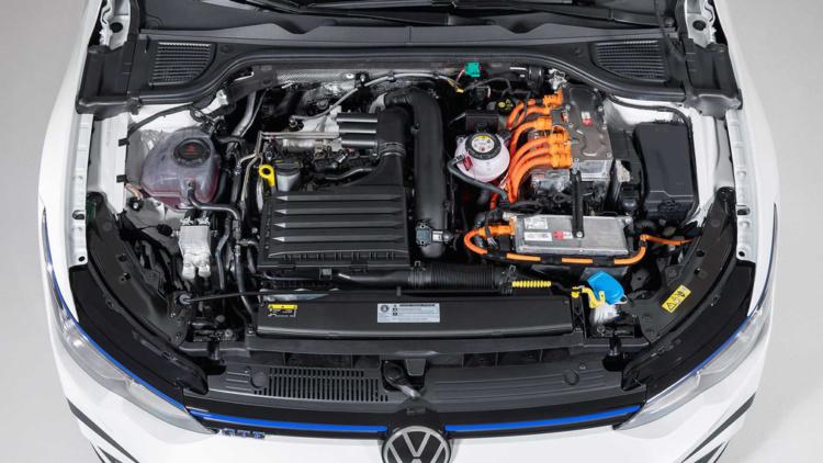 Компанія Volkswagen представила заряджений Golf GTI восьмого покоління (ФОТО)