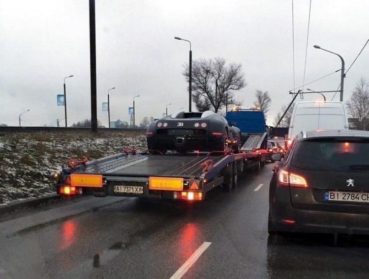 В Україні помітили неймовірний гіперкар Bugatti Veyron