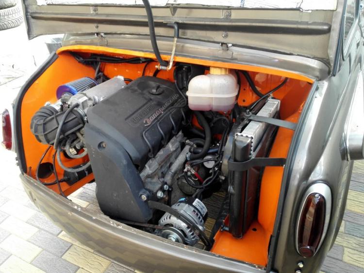 В мережі продають унікальний «Запорожець» з 1,3-літровим мотором і салоном від Mazda RX-8