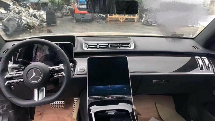 Новий седан Mercedes-Benz S-Кlassе розсекретили до прем'єри (ФОТО)