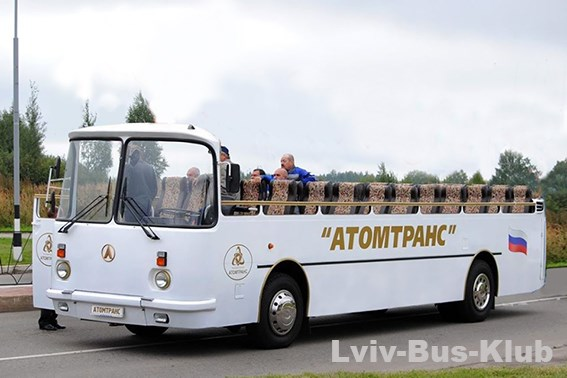 У мережі показали унікальний український автобус-кабріолет