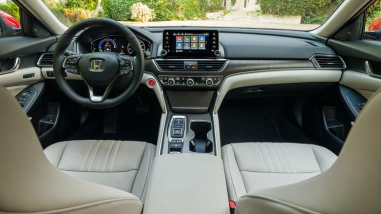 2021-Honda-Accord-Hybrid-13