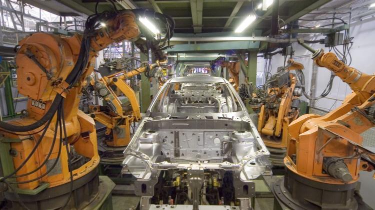 General Motors тимчасово закриває 4 заводи